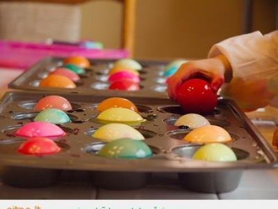 Dar vienas kiaušinių dažymo būdas