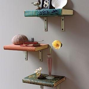 Idėja namams: lentynėlės iš … knygų