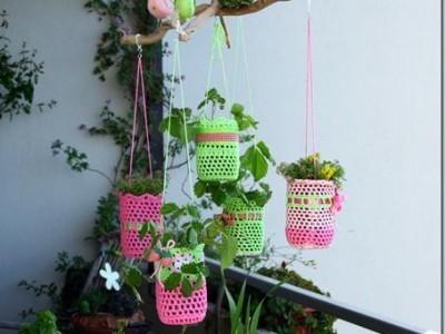 Rankdarbio idėja: nerti vazonėlių dėklai