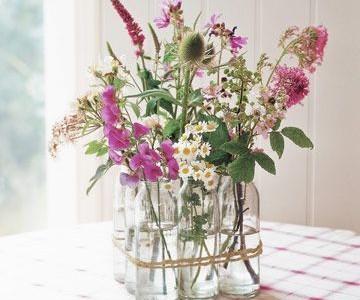Gėlių vaza- vasaros dvelksmas jūsų namuose