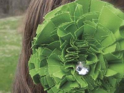 Rankdarbio idėja: žalia pavasariška gėlė