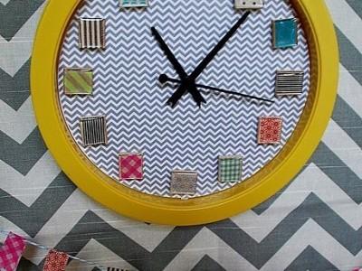 Idėja namams: laikrodis su spalvingomis lipniomis juostelėmis
