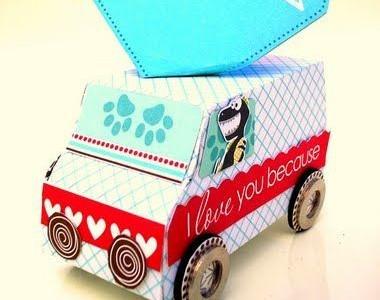 Saldainių pakuotė: automobiliukas