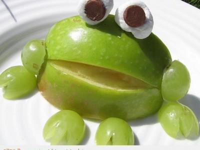 Maistas kitaip: varliukas iš obuolio