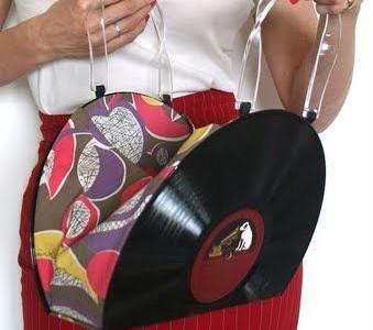 Rankdarbio idėja: rankinukas iš vinilo plokštelių