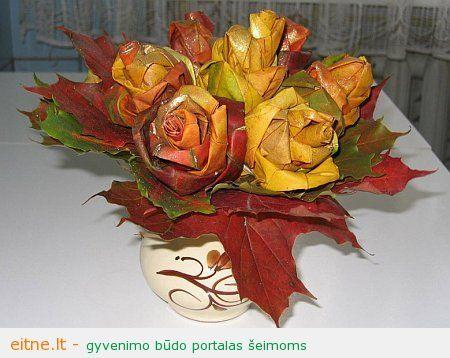 Rudens dekoras: rožės iš klevo lapų