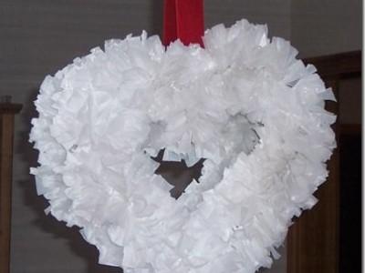 Valentino dienos vainikas iš plastiko maišelių