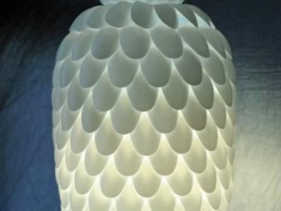 Idėja namams: šviestuvas iš vienkartinių šaukštų