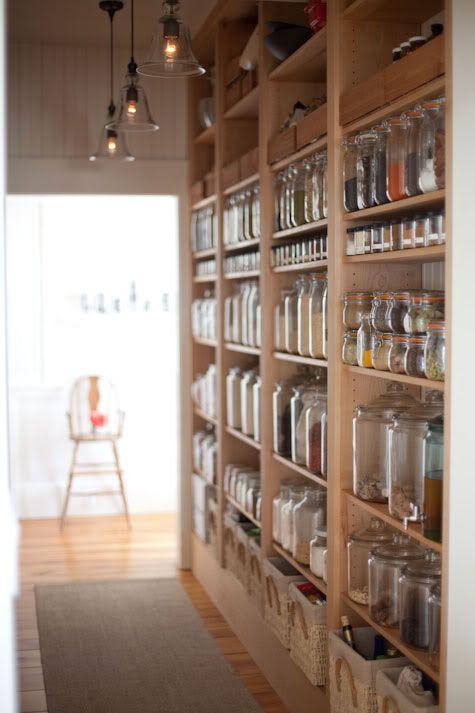 Idėja namams: atviros lentynos virtuvėje