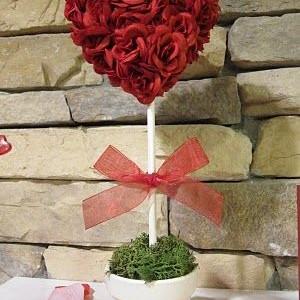 Dovana Valentino dienai: širdies medelis