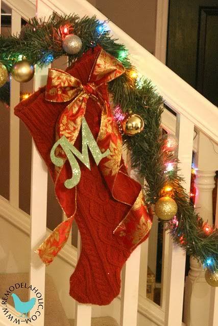 Idėja namams: kalėdinė kojinė iš seno megztinio