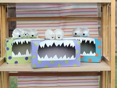 Darbeliai su vaikais: monstrai iš dėžučių