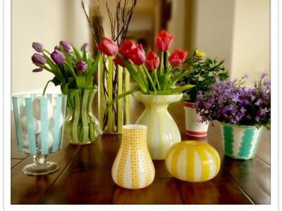Idėja namams: spalvingos vazos naudojant dekoratyvias lipnias juosteles