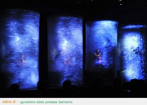 """Užburiantis garso, vaizdo, laiko ir erdvės teatras: """"Smėlio laikrodžiai"""""""