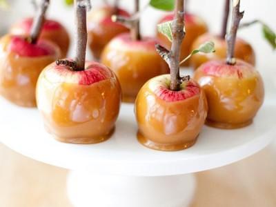 Gražus desertas – mini obuoliai su karamele