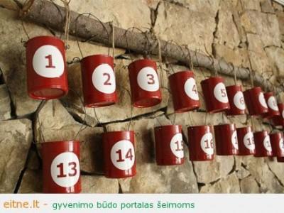 Advento kalendorius iš tuščių skardinių