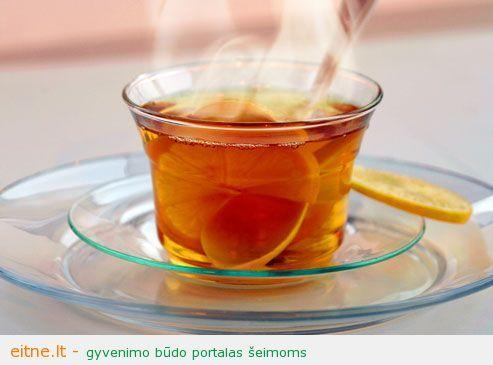 Juodoji arbata su citrinų sultimis