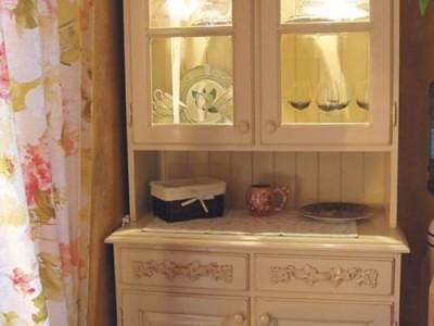 Antikvariniai baldai ir balta spalva, arba 10 būdų pakeisti interjerą