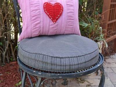 Rankdarbio idėja: pagalvė Valentino dienos dekorui