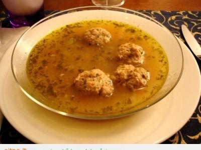 Žirnių sriuba su kalakutienos kukuliais