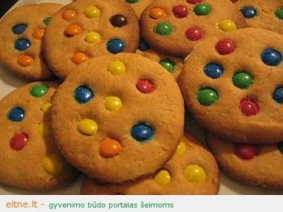 Velykiniai sausainiai su saldainiais, arba du viename
