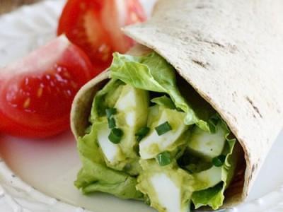 Kiaušinių ir avokado salotos