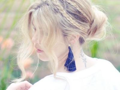 Šešios ilgų plaukų šukuosenos vasarai