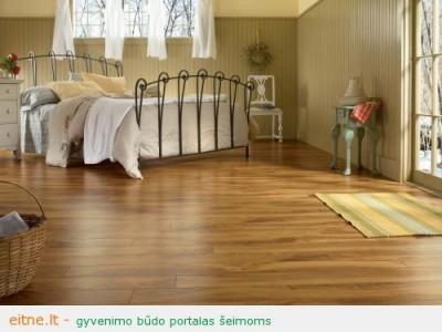 Medinės grindys, parketas, laminatas. Kaip jas išvalyti