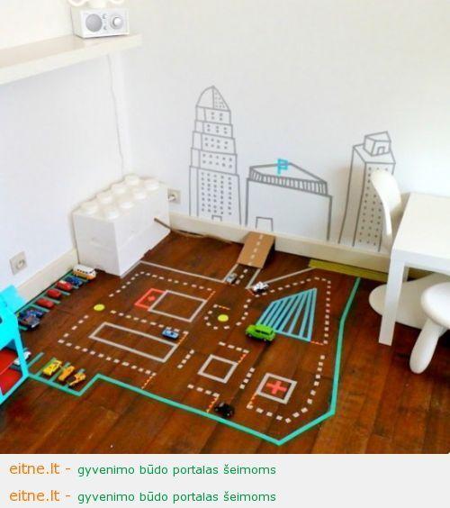 Idėja vaikų kambariui: kilimas iš spalvotų lipnių juostelių