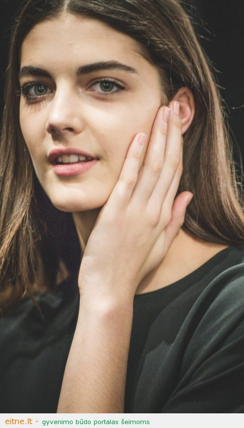 Beauty-Trends-Spring-2013-Nails-Narciso-Rodriguez-590x1000