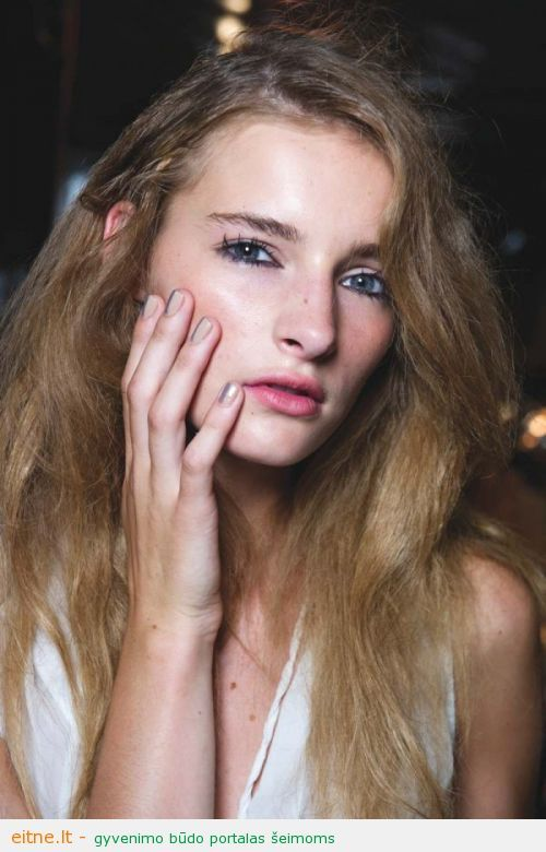 Beauty-Trends-Spring-2013-Nails-Phillip-Lim-600x900