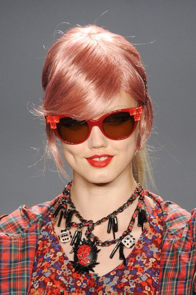 Teen-Girls-Sunglasses-style-2013-14-For-Spring-summer-1