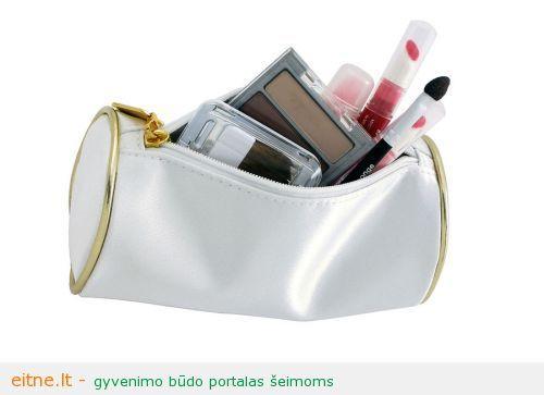 Stilistė Kristina pataria: kosmetikos krepšelis vasarą