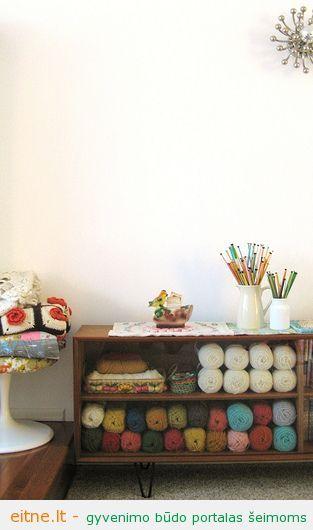 knitting needle and yarn storage