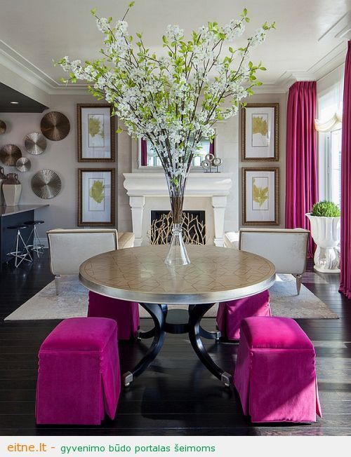Smart-hot-pink-accents-in-the-living-room