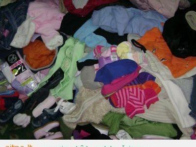 Kaip neužsikrauti vaikų rūbais ir žaislais?