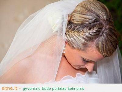 Vestuvinės šukuosenos: natūralus nuotakos įvaizdis Vs. princesės įvaizdis