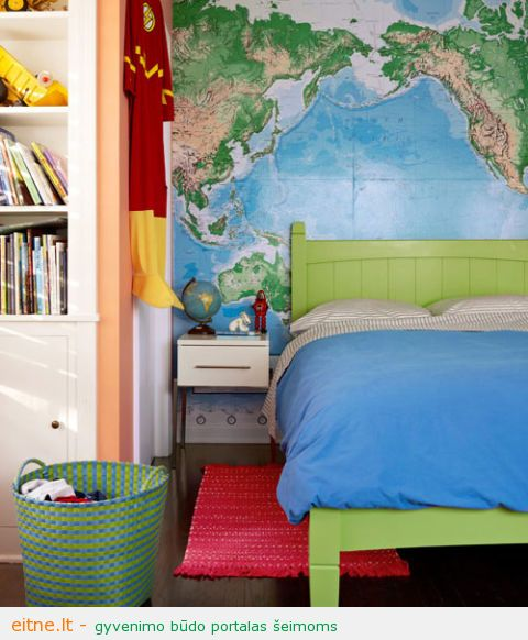 54eb026a25e34_-_with-flying-colors-world-map-kids-room-1111-lgn